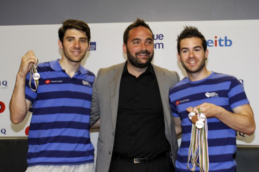 De-izquierda-a-derecha-Iñigo-Vidondo-Jon-Redondo-Director-de-Deportes-del-Gobierno-Vasco-y-Patxi-Peula