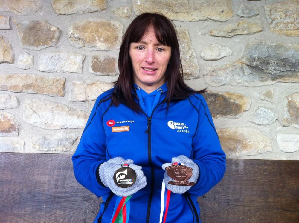 Mider-Unda-posa-con-las-medallas-conseguidas-en-los-Europeos-de-Bakú-2010-y-Belgrado-2012